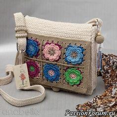 Добрый день, рукодельницы!Продолжаю разбирать свои хомячьи запасы и не могу с вами не поделиться.Нашла подборку сумок, связанных на основе бабушкиного квадрата. Надеюсь, что вам они понравятся. http://www.diyideas.ru/pages/5409