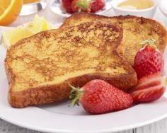 Recette de Pain perdu light - Expolore the best and the special ideas about French recipes Healthy French Toast, Make French Toast, Breakfast Toast, Breakfast Bowls, Breakfast Ideas, Ww Recipes, Light Recipes, French Recipes, Pain Perdu Light