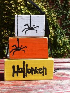 Get Inspired: 15 Candy Corn Projects Halloween Candy Corn Home Decor Set of 3 stacked wooden blocks Deco Haloween, Bonbon Halloween, Halloween Candy, Holidays Halloween, Halloween Diy, Happy Halloween, Halloween Blocks, Rustic Halloween, Trendy Halloween