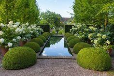 Formal Garden Design, English Garden Design, Garden Pond, Garden Landscaping, Boxwood Garden, Topiary Garden, Landscaping Ideas, Garden News, Cheap Pergola