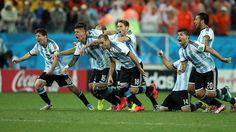 A  festejar. Argentina a la Final.  .. 9 julio de 2014 ... Mundial Brasil 2014... Semifinal Argentina vs Holanda. Estadio Arena Corinthians. San Pablo.