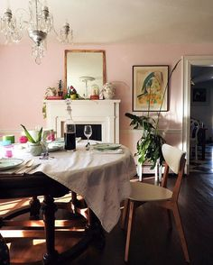 pink dining room walls