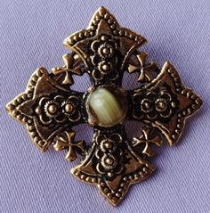 Vintage GREEN Marble Oval CELTIC Cross Brooch | CELTIC ~ VIKING Jewellery |  Pinterest | Green Marble, Brooches And Vintage Costume Jewelry