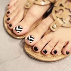 Fashion False Nails Toe Nails Tips Nail Art Accessories With Glue Nail Art Designs, Pedicure Nail Designs, Pedicure Nails, Nail Art Hacks, Nail Art Diy, Diy Nails, Acrylic Toe Nails, Toe Nail Art, Acrylic Art