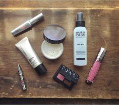 "-⛅️- Bare Minerals complexion rescue - Laura Mercier powder - Nars blush & bronzer duo ""orgasm"" & ""Laguna"" - Makeup Forever mist & fix - Beneift gimme brow ""1"" - Benefit they're real lash primer - Urban Decay revolution lipgloss ""failbait"""