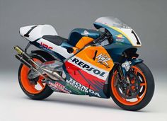 Mick Doohan's all-conquering Honda NSR500 2-stroke motorcycle of the 1997 500cc championship where he won a record 12 races (out of 15) in a single season. After 5 seasons with Honda's Big Bang version, Doohan returned to using the Screamer type.