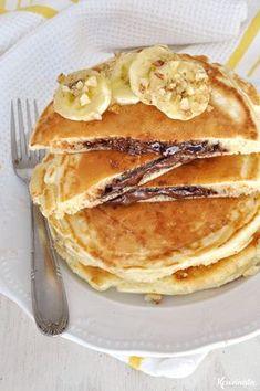 Hellish pancakes stuffed with praline Nutella Pancakes, Yogurt Pancakes, Crepes And Waffles, Greek Recipes, Brunch, Food To Make, Cake Recipes, Sweet Tooth, Food Porn