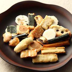 チーズあられや納豆あられ、げんぶ堂自慢の商品を詰め込みました。おつまみのも合うサラダ味のあられ等色々な味をお楽しみいただけます。