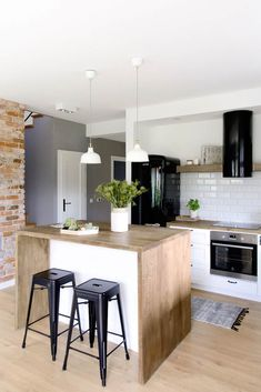 ✔ 60 small kitchen design ideas and decor 3 Related Kitchen Decor, Small Kitchen Decor, New Kitchen, Modern Interior, Small Kitchen, Home Kitchens, Wood Kitchen, Kitchen Design Small, Kitchen Remodel