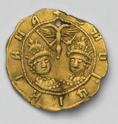 """Gold piece - 1/2 of tchervonets.  The coin is embossed with a design of shoulder-length portraits of brothers-sovereigns wearing Tsar's crowns. Above them there is an image of the state emblem: a double-headed eagle with an orb and scepter """"Б.М.ВГЦIKIАПА +"""" (By the grace of God, the sovereigns and princes, Ivan Alexeevich and Peter Alexeevich)."""