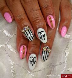 Chanel nail art, Bows & chains