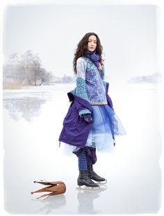 """um..... what she said:  """"Werden Sie Eisprinzessin für einen Tag! Kombinieren Sie einen einfachen Tüllrock mit Gummizug in der Taille und ziehen Sie viele wärmenden Lagen aus Naturmaterialien darüber. Genießen Sie die winterliche Farbskala, holen Sie die Schlittschuhe hervor und los geht's mit den schönsten Pirouetten in wintergemütlicher Wolle."""""""