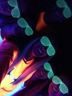 Glow in the dark birthday party! Good idea!
