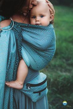 33cc4016900 LITTLE FROG JACQUARD RING SLING - STORMY CUBE -size M