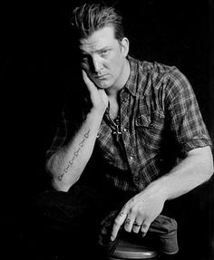 Josh homme on pinterest stone age queen of and dave grohl for Queens of the stone age tattoo