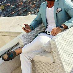 Men's Fashion White Pants, White T-Shirt, Aqua Sport Coat Fashion Mode, Fashion Menswear, Fashion Pants, Paris Fashion, Runway Fashion, Fashion Shoes, Girl Fashion, Stylish Menswear, Womens Fashion