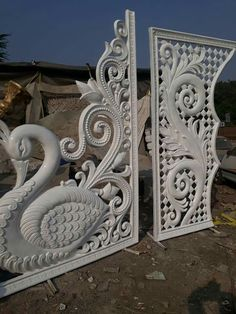 Wood Carving Designs, Wood Carving Patterns, Wood Carving Art, Stencil Designs, Wood Art, Single Door Design, Wooden Main Door Design, Temple Design For Home, Jaali Design