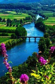 Rio Dordogne em Domme, França !!! (70 pieces)