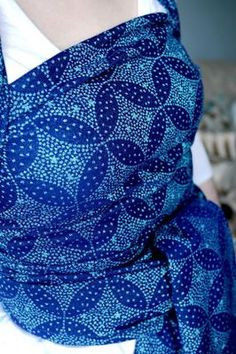 Oscha Starry Night Blue Ice- this is very pretty Baby Carrying, Baby Wrap Carrier, Crazy Wrap Thing, Baby Sling, Woven Wrap, Baby Wraps, Baby Safety, Cloth Diapers, Little People