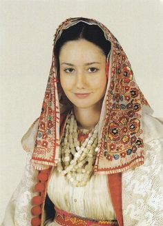багата румуаська дівчина з баламутами