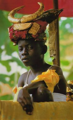 king of the N'Zima Kotoko people. Photo taken at the royal place in Grand Bassam, Ivory Coast Out Of Africa, West Africa, African Culture, African History, We Are The World, People Around The World, Black Royalty, African Royalty, African Tribes