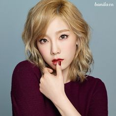 Taeyeon is the exact definition of blonde bombshell in this pic! 💟