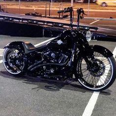 Harley Davidson News – Harley Davidson Bike Pics Harley Bobber, Harley Softail, Harley Bikes, Chopper Motorcycle, Harley Davidson Bikes, Motorcycle Garage, Softail Bobber, Hd Motorcycles, American Motorcycles