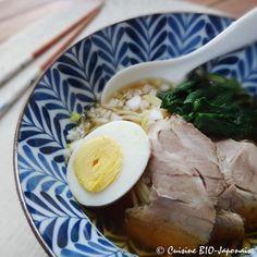 Le Ramen est une soupe de nouilles japonaises. Ce plat est de plus en plus connu en France. Les restaurants de Ram...