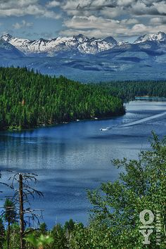 Holland Lake Montana is one of my favorite places in the world! Big Sky Montana, Montana Lakes, Helena Montana, Montana Ranch, Lake Pictures, Big Sky Country, Wyoming, Vacation Spots, Beautiful Landscapes