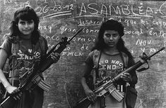 Teenagers with guns near the Guerrilla FLMN camp in San Antonio Los Ranchos, El Salvador, El Salvador - during the civilian war Salvadoran Civil War, Female Soldier, Military Photos, Guerrilla, American Revolution, Revolutionaries, Human Rights, Warfare, Youth