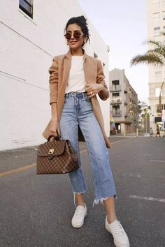65 Trendy Summer Outfits to Wear Now Vol. 3 65 Trendy Summer Outfits to Wear Now Vol. Casual Chic Outfits, Outfit Chic, Trendy Summer Outfits, Casual Chic Style, Fall Outfits, Casual Style For Women, Ootd Summer Casual, Autumn Outfits Women, Ootd Chic