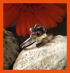 Little Flower - sterling silver adjustable ring Adjustable Ring, Pretty Little, Band Rings, Garnet, January, Sterling Silver, Flowers, Handmade, Gifts