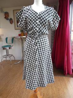 1950S-PRINCESS-PEGGY-DRESS-BLACK-WHITE-SEERSUCKER-GINGHAM-44-B-36-W-L-XL-16-18