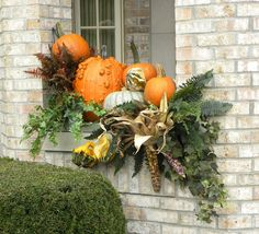 traditional landscape by Smalls Landscaping Halloween window boxes Halloween Entryway, Fall Halloween, Halloween Window, Elegant Fall Decor, Fruits Decoration, Fall Window Boxes, Window Sill, Window Ledge, Fall Containers