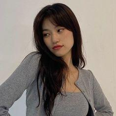 Attack On Titan Aesthetic, Kim Doyeon, Ulzzang Korean Girl, Uzzlang Girl, Girl Crushes, Pretty People, Kpop Girls, Girl Group, Asian Girl