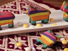 Receta de Cómo hacer Galletas de Piñata | Prepara estas ricas y divertidas galletas de piñata. Son perfectas para las fiestas patrias, son originales y tienen una pequeña sorpresa al centro. Es perfecto para hacer con los niños, anímate a hacerlas. ¡Te encantará!