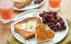Here's a morning treat that's super easy to prepare but special enough for breakfast in bed.
