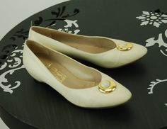 5c5f890850bc6 178 Best Vintage shoes images in 2019 | Fashion vintage, Vintage ...
