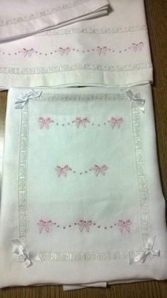 Baby Sheets, Baby Bedding Sets, Embroidery Stitches, Hand Embroidery, Embroidery Designs, Cross Stitch Baby, Kids Patterns, Heirloom Sewing, Linen Napkins