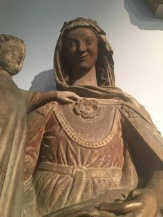Madonna, Regensburg 1290, Germanisches Nationalmuseum Nürnberg Medieval World, Medieval Art, Historical Hairstyles, Medieval Costume, Costume Patterns, Medieval Clothing, Madonna, Vintage Couture, Christian Art