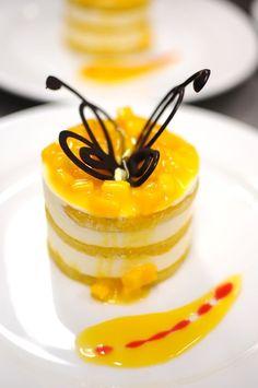 mango tiramisu