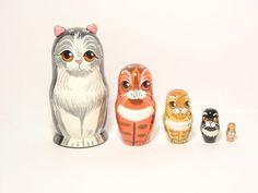 Nesting dolls Happy Cat family 5pcsMatryoshka by DollladyUkraine