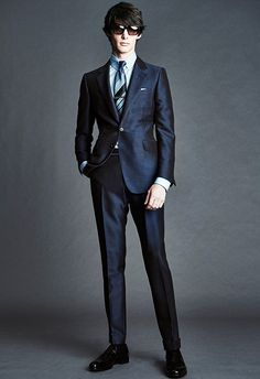Tom Ford Spring 2016 Menswear Fashion Show Collection: See the complete Tom Ford Spring 2016 Menswear collection. Look 8 Fashion Moda, Suit Fashion, Fashion Show, Mens Fashion, Fashion Design, Fashion Trends, Fasion, Fashion Styles, Tom Ford スーツ