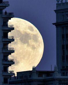 Super #Moon WOWWW
