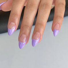 """Who Is Mizz Blac? on Instagram: """"El French siempre es mood 〰️. #frenchnails #nailinspo #minimalnails #frenchmanicure #lilacnails"""" Purple Acrylic Nails, Lilac Nails, Best Acrylic Nails, Light Purple Nails, Aycrlic Nails, Oval Nails, Funky Nails, Fire Nails, French Tip Nails"""