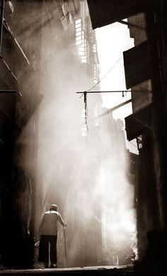 Back alley - Fan Ho