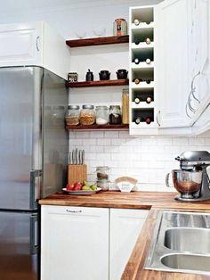 meuble de cuisine: étagères et rangement pour les bouteilles de vin