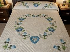 applique quilt patterns | Heart of Roses Quilt -- marvelous meticulously made Amish Quilts from ...