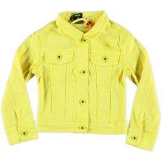 Gele spijkerjas van Tumblendry. Dit stoere jasje is voorzien van een knoopsluiting en zakken aan de voorkant.