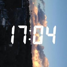 I screenshot people's qt sky pictures on snapchat lmao
